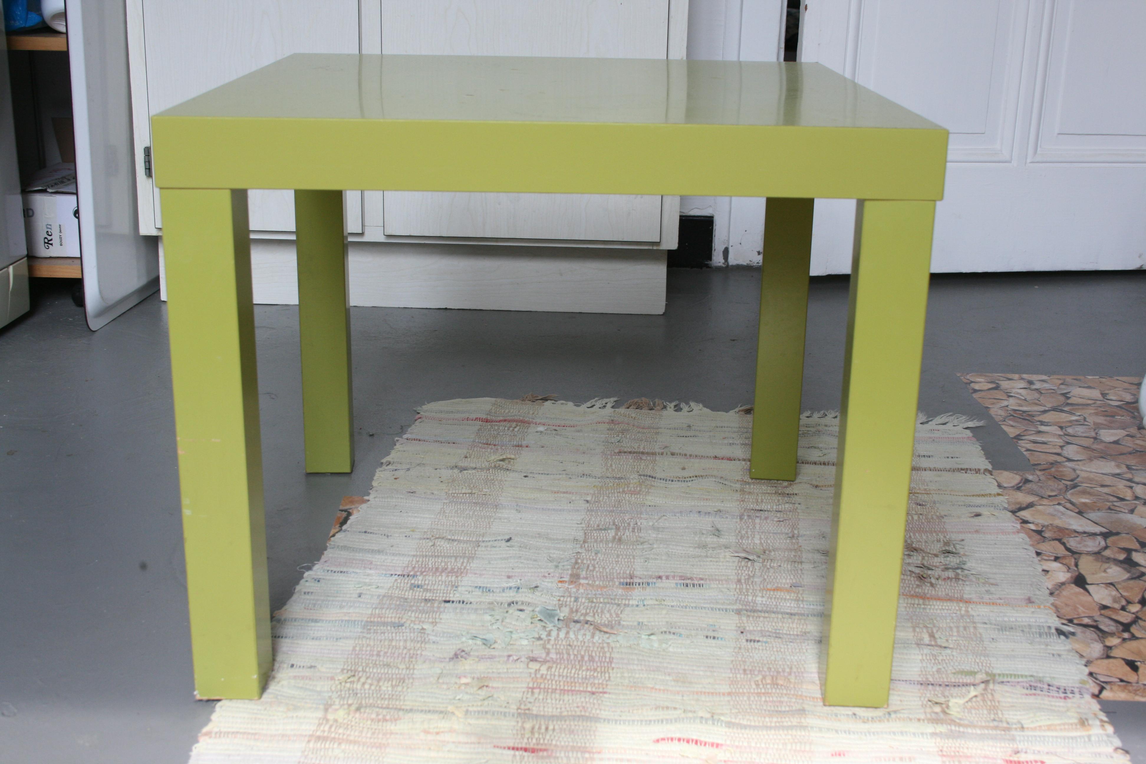 peindre une table en verre pur peinture blanche verre. Black Bedroom Furniture Sets. Home Design Ideas